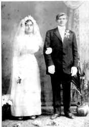part10_nowak_wedding_1913.jpg (36068 bytes)