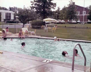 part1_syosset_woodbury_pool.jpg (60197 bytes)