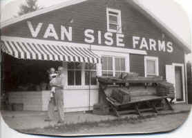 part1_vansisefarms.jpg (44447 bytes)